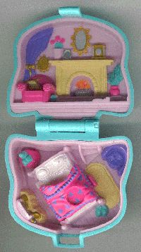 Loyal Vintage Polly Pocket Sea Splash Carousel 1999 Complete With All Accessories Choice Materials Polly Pocket