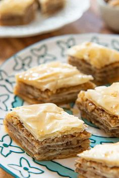 Baklava - Perfect makeahead dessert for the holidays! via Arabic sweets Baklava - How to Make the Most Heavenly Baklava Ever - Fifteen Spatulas Lebanese Desserts, Greek Desserts, Köstliche Desserts, Delicious Desserts, Baklava Dessert, Dessert Bars, Baclava Recipe, Cake Pops, Make Ahead Desserts