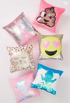 Keep her cozy with the tween girls' bedding collection at Justice. Shop various bedding styles & complete the look with on-trend decorative pillows for girls. My New Room, My Room, Girl Room, Girls Bedroom, Bedroom Decor, Unicorn Room Decor, Unicorn Rooms, Unicorn Bedroom, Cute Pillows
