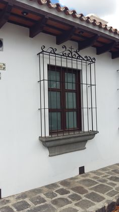 Iron Window Grill, Window Grill Design, Spanish Style Homes, Spanish House, Home Interior Catalog, Colonial House Exteriors, Mediterranean Homes Exterior, Fachada Colonial, Garden Wall Designs