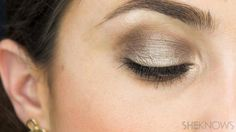 How to perfectly apply eyeshadow with your fingertips.