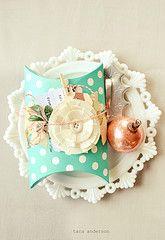 polkadot pillow box!