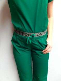 Another one of our color faves 🙌 Hunter green is a very in demand color and we're happy to say that we offer it in our EON collection along with many others! Grab that super comfy waistband pant and rock a bold color! Spa Uniform, Scrubs Uniform, Green Scrubs, Green Joggers, Cute Scrubs, Scrubs Outfit, Dental Life, Medical Uniforms, Scrub Life