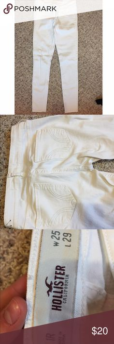 White Hollister Jeans Full length jeans that have a light material. They are in perfect condition with no stains or signs of wear. Hollister Jeans Skinny