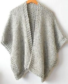 It doesn't get comfier or warmer than this cozy, beginner friendly knit kimono. Made with super bulky yarn and large needles, it works up fairly quickly and is a dream to wear on cold days. Knit Kit - Telluride Easy Knit Kimono in Easy Knitting Patterns, Knitting Kits, Loom Knitting, Free Knitting, Shrug Knitting Pattern, Easy Knitting Projects, Knitting Ideas, Knitting Stitches, Knit Scarves Patterns Free