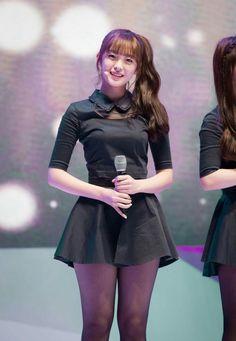 오마이걸 아린 ↩☾それはすぐに私は行くべきである。 ∑(O_O;) ☕ upload is Samsung S6 EDGE/2017.08 with ☯''地獄のテロリスト''☯ (о゚д゚о)♂ Korean Girl Photo, Cute Korean Girl, Cute Asian Girls, Beautiful Asian Girls, Cute Girls, Korean Fashionista, Arin Oh My Girl, Pantyhose Fashion, Skirts