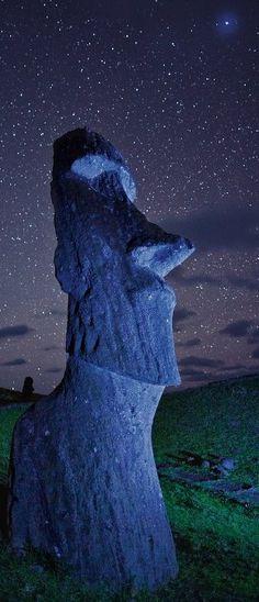 Moái (Isla de Pascua, Chile)