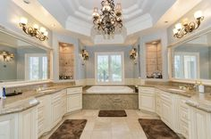 Wow! In love with this master bath!  Just says relax and light a candle! Sigh.... TGIF!