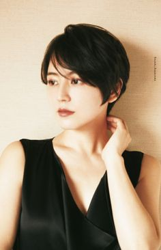 Short Hairstyles For Women, Girl Hairstyles, Japanese Short Hair, Girl Short Hair, Cut And Color, Woman Face, Female Images, Asian Beauty, Hair Inspiration