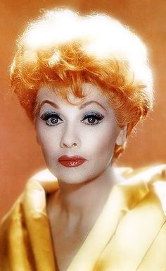 Love this beautiful photo of Lucille Ball Vintage Hollywood, Hollywood Glamour, Hollywood Stars, Classic Hollywood, Lucille Ball, Aidan Quinn, Betty Buckley, Caroline Munro, Alyssa Edwards