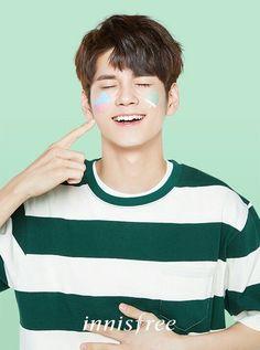 Innisfree - Ong Seongwoo Wanna One Jinyoung, Jaehwan Wanna One, Ong Seung Woo, Cho Chang, Le Net, Guan Lin, Fandom, Produce 101 Season 2, Lee Daehwi