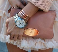 Dusty pink Mulberry clutch.