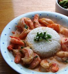 Camarones a la Criolla con Coco (Creole and Coconut Shrimp) My Colombian Recipes, Cuban Recipes, Shrimp Recipes, Fish Recipes, Colombian Cuisine, Columbia Food, Puerto Rico Food, Shrimp Creole, Comida Latina