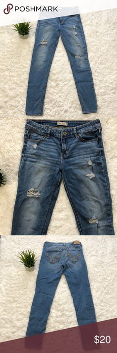 Hollister destructed ripped jeans Light blue with brown stitching stretchy  destructed ripped skinny jeans by hollister. W28 L31 on tag Hollister Jeans Skinny
