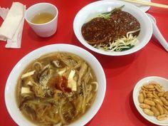 Jing Hua(京華小吃)@チャイナタウンの酸辣湯麺にジャージャー麺