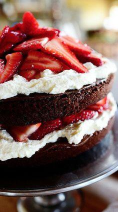 chocolate strawberry nutella cake....