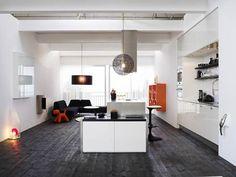 moderni keittiö ja olohuone yhdistettynä
