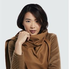 Sentaler launched a luxe new scarf that you can now pre-order Sentaler, the Toronto-based outerwear brand beloved by Meghan Markle, Kate Middleton and Emily Blunt, has made fall high fashion dreams come true with the release of its lavish Vicuña Classic scarf. Coming in a rich caramel hue and boasting the luxurious qualities found in […] The post This Week's Need-to-Know Fashion News appeared first on FASHION Magazine.