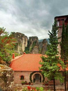 Μετεωρα Jigsaw Puzzles, Greece, Cabin, House Styles, Places, Pictures, Beautiful, Home Decor, Greece Country