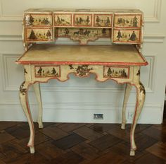 Italian #decoupage antiqued desk. #DIY #decor