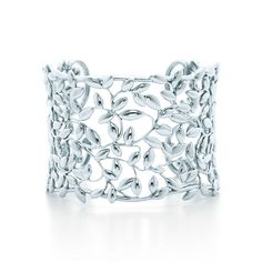 Paloma Picasso® Olive Leaf cuff in sterling silver, medium. | Tiffany & Co.