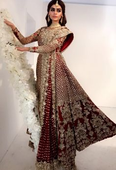 Global market Leader in Ethnic World, we serve End 2 End Customizable Indian Dreams That Reflect with Amazing Handwork & Unique Zardosi Art by Expert Workers Worldwide . Indian Bridal Lehenga, Pakistani Wedding Dresses, Indian Dresses, Indian Outfits, Pakistani Wedding Outfits, Bridal Outfits, Moda India, Modern Saree, Bridal Dress Design