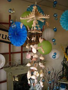 Windspiel aus Muscheln, Seesternen und Seeschnecken