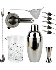 The Bartender's Cocktail Kit is both suited to professional bartenders and aspiring home bartenders. The Cobbler Cocktail Shaker consists of 3-pieces and has a built-in strainer. The strainer makes for fast and easy mixing of drinks. The Cobbler Shaker has a big capacity and is the ideal shaker for the Japanese-inspired 'hard shake'.