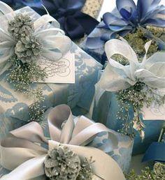 Carolyne Roehm Gift Wrap Presentation