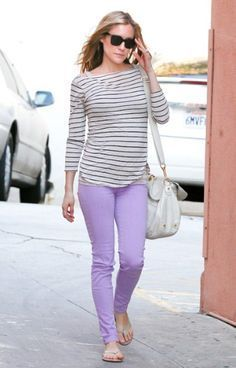 Pregnancy Outift Motherhood has lavender pants and gray stripped top Purple Pants Outfit, Purple Jeans, Jeggings Outfit, Bump Style, Casual Outfits, Cute Outfits, Fashion Outfits, Style Fashion, Work Outfits