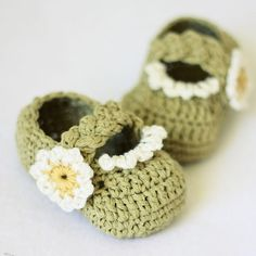 Instant download Crochet PATTERN for baby by monpetitviolon.. Bah. Ok. Who wants to teach me??