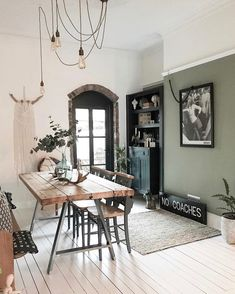 Sage green dining room ideas – # check more at Wohnzimmer. Sage Green Kitchen, Green Kitchen Walls, Sage Green Walls, Green Accent Walls, Green Dining Room, Dining Room Colors, Light Green Walls, Green Rooms, Dining Room Walls