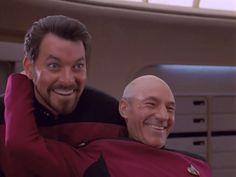 Gag Reels from Star Trek: The Next Generation - oh my gosh, season 5 when they start singing the theme song! Tauna says: love love love star trek! Wallpaper Star Trek, Deep Space Nine, Paddy Kelly, Starship Enterprise, Leonard Nimoy, Star Trek Universe, Star Trek Voyager, Love Stars, The Next
