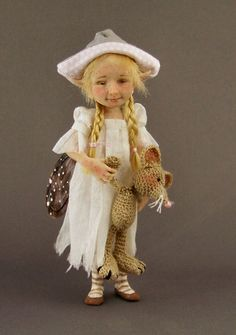 """FAIRYSTUDIOKALLIES Since many Years creating fine art dolls,sculptures and miniatures in polymer clay. Elves,Trolls,Pixie´s,Fae´s,Wee Folk and of corse 1/12 scale Miniatures like Witchy´s and Wizard´s. I started with creating """"Thicket People Pixie Originales""""in January 2008"""
