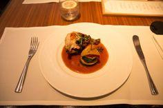 Maishühnchen á la carte in der Cathay Pacifc First Class Lounge Hongkong. #firstclass #lounge #review #hongkong #cathaypacific #design #interiordesign #food #foodporn #rezept