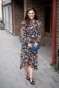 Victoria, 2018 Beauty And Fashion, Fashion Looks, Royal Fashion, Princess Victoria Of Sweden, Crown Princess Victoria, Yves Saint Laurent, Princesa Victoria, Swedish Royalty, Prince And Princess