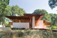 Frank Lloyd Wright's West Coast Projects Are Saluted in a New Book : Architectural Digest Architecture Images, Organic Architecture, Modern Architecture House, Architecture Collage, Frank Loyd Wright Houses, Frank Lloyd Wright Style, Usonian House, Prairie Style Houses, Modern Ranch