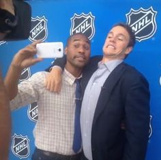 Jonathan Toews <-- Dweeb Captain of the Universe. // THAT'S MY CAPTAIN, SHOWING HIS HUMOR SKILLS
