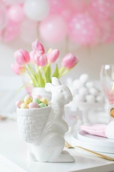 Host a Lovely Modern Spring Tea Party. We are sharing an easy and pretty Spring tablescape idea you can recreate at your own place in no time! Easter Brunch, Easter Party, Easter Flower Arrangements, Macaron Cake, Tea Sandwiches, Cucumber Sandwiches, Small Desserts, Dessert Stand, Easter Table Decorations