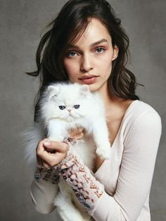 Luma Grothe and furry friend photographed by Bjorn Iooss for the Free People lookbook, December 2016.