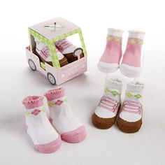 This adorable golf-inspired Fairway Footies Sock Gift Set by Baby Aspen will get your little one in the game in classic style. The precious set features a trio of argyle-print designs in fun and cheery colors. Newborn Baby Gifts, Baby Girl Gifts, Gifts For Girls, Baby Girl Newborn, Baby Baby, Unique Baby Gifts, Personalized Baby Gifts, Toddler Boutique, Baby Aspen