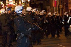 Que vient faire un tel fusil lors d'une manifestation à Québec, devant notre Assemblée nationale ?