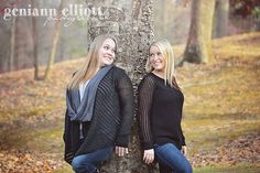 adult siblings, sisters, sister love, sisterly bond, family photography, fall, autumn photography, laughing, outtake www.facebook.com/geniannelliottphotography