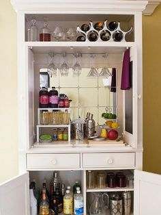 Organizing Tips That Actually Work Entertainment center to bar. Could do this in our front room if we don't find a piece to put in dining room!Entertainment center to bar. Could do this in our front room if we don't find a piece to put in dining room! Armoire Bar, Corner Armoire, Dresser Bar, White Armoire, Corner Tv, Diy Bar, Repurposed Furniture, Diy Furniture, Stacking Shelves