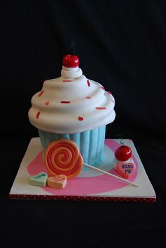 I'm thinking I'm going to have to make this for my birthday next year!