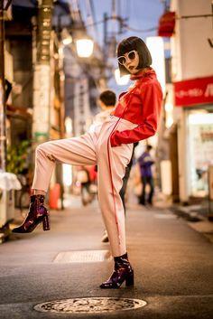 German Haute Couture photo by Jens Burger Harajuku Fashion, Japan Fashion, Japanese Street Fashion, Korean Fashion, Japan Outfit, Tokyo Street Style, Japanese Streetwear, Fashion Poses, Female Poses