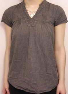 À vendre sur #vintedfrance ! http://www.vinted.fr/mode-femmes/blouses-and-chemises/22419932-top-chemisier-gris-souris-taille-m38
