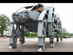 The Walking Beast by Moltensteelman is a 14,250 pound real life walking mech that carries a driver and passenger in the cockpit while seven passengers enjoy ...