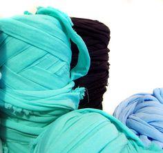Telas, de todos los colores y texturas. Enamorados de este material.