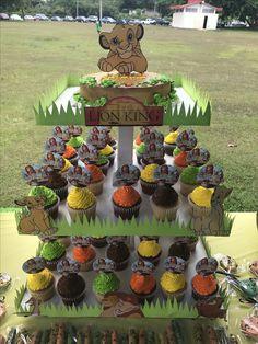 Cupcakes! Jungle Theme Birthday, Lion King Birthday, Baby Boy 1st Birthday Party, Birthday Ideas, Lion King Theme, Lion King Party, Lion King Cupcakes, Theme Bapteme, Lion King Baby Shower